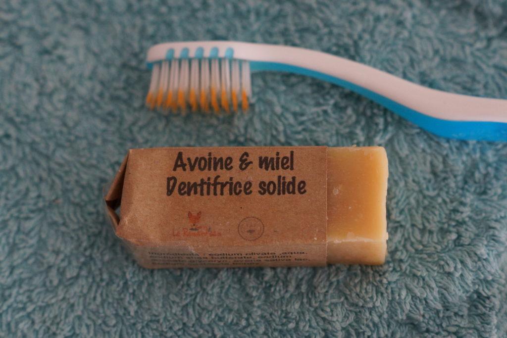Dentifrice solide avec emballage carton