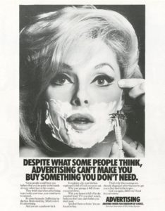 Campagne publicitaire de Fallon McElligot sur le rôle du marketing montrant une femme se rasant le visage avec un rasoir de surêté